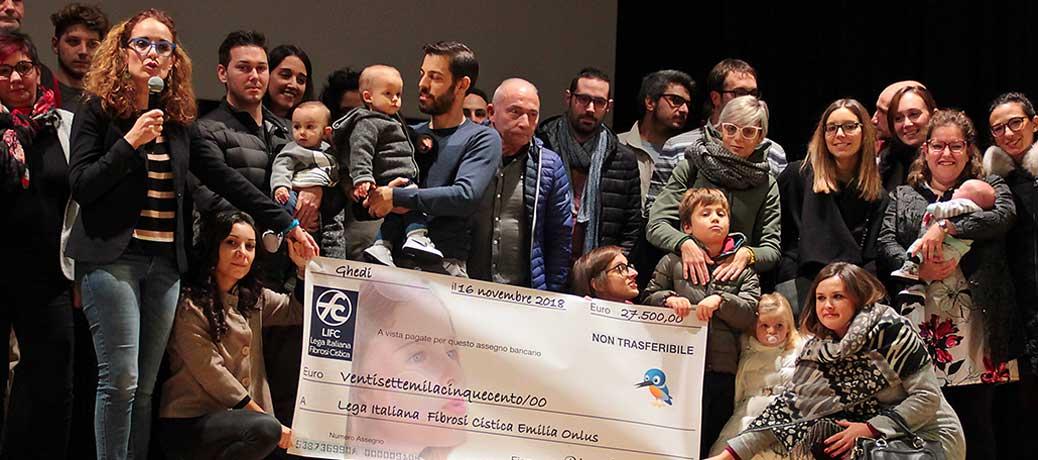 """Consegnato a Ghedi contributo record di """"Ricerchiamoci""""  all'Associazione Fibrosi Cistica"""